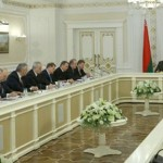 Лукашенко поручил к 1 мая решить вопрос трудоустройства всех безработных