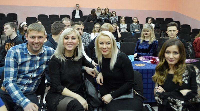 Дзень выпускнікоў: ад СШ №3 і ліцэя да раённай гімназіі (фотарэпартаж)