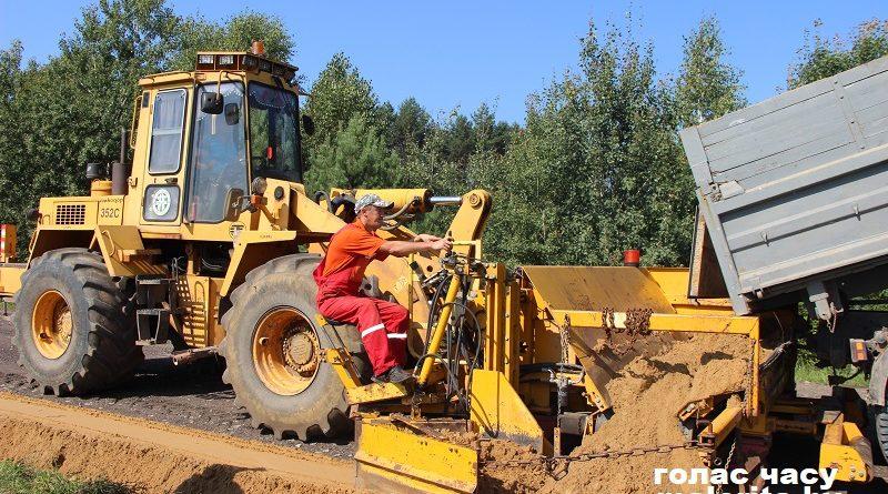 Ведётся строительство дороги на Мельники (Малоритский район)