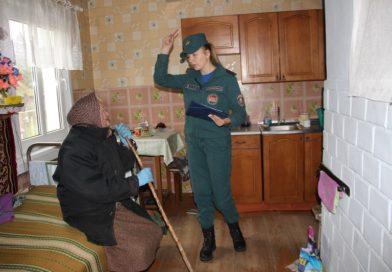 Сотрудники МЧС идут по домам….. сельчан ( Малоритский район)