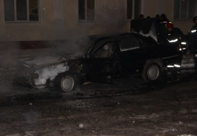 В Малорите около площади загорелся автомобиль