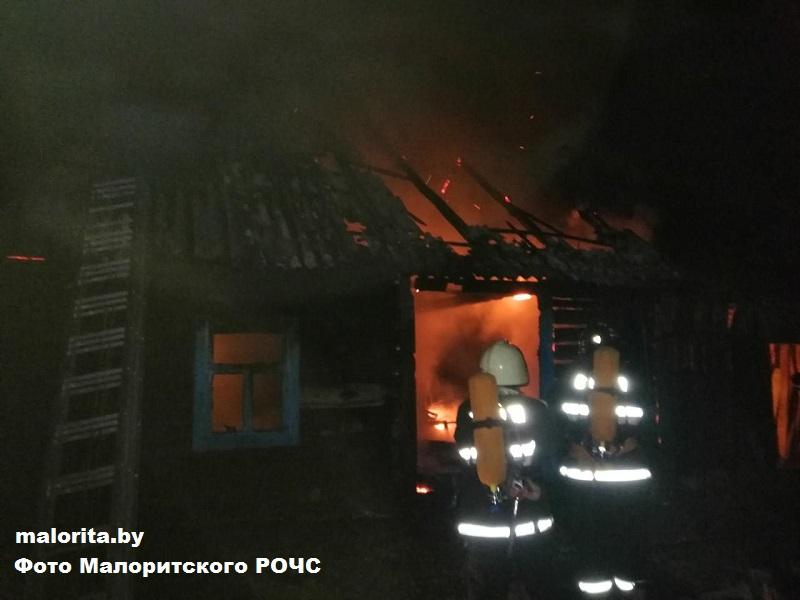 Пенсионер погиб на пожаре в собственном доме