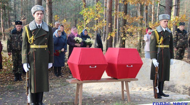 В Малоритском районе перезахоронили останки 4 советских воинов (фоторепортаж)