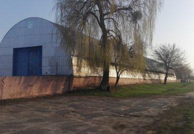В Малорите предлагают арочный склад для производственной деятельности