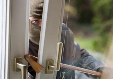 Кражи: свободный доступ, отжатие стеклопакета и доверчивость хозяев (Малоритский район)