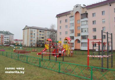 Новая детская игровая площадка появилась в Малорите на улице Советской